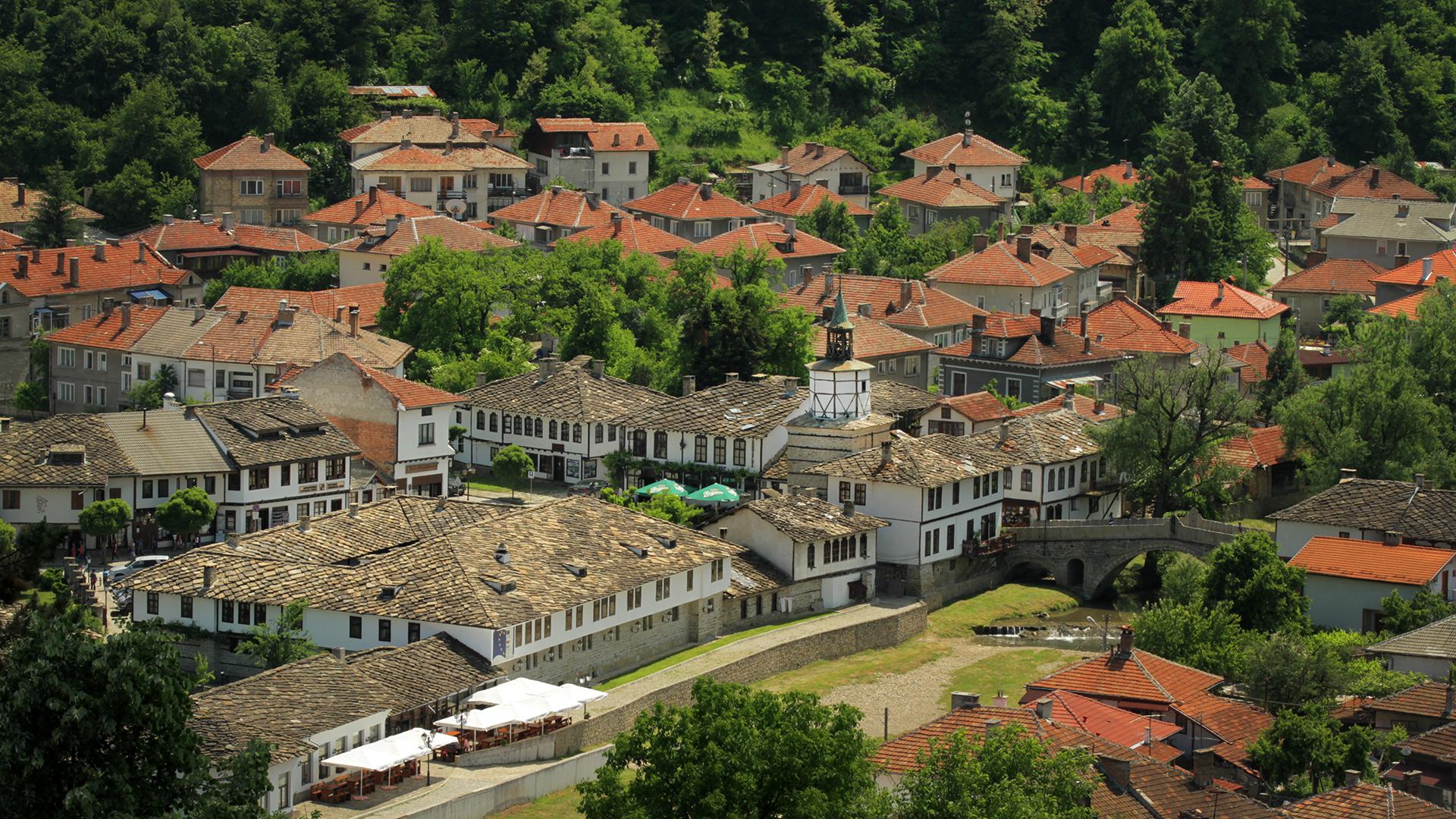 За Балкана и хората – Изглед от Трявна