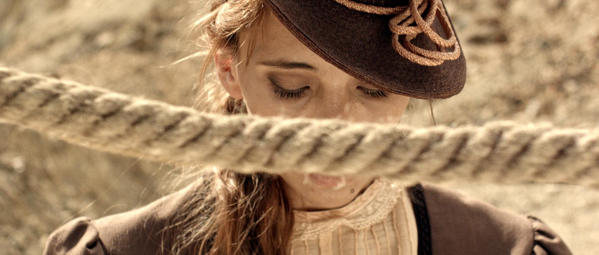 Бо Нан За – Госпожицата, в ролята Александра Спасова