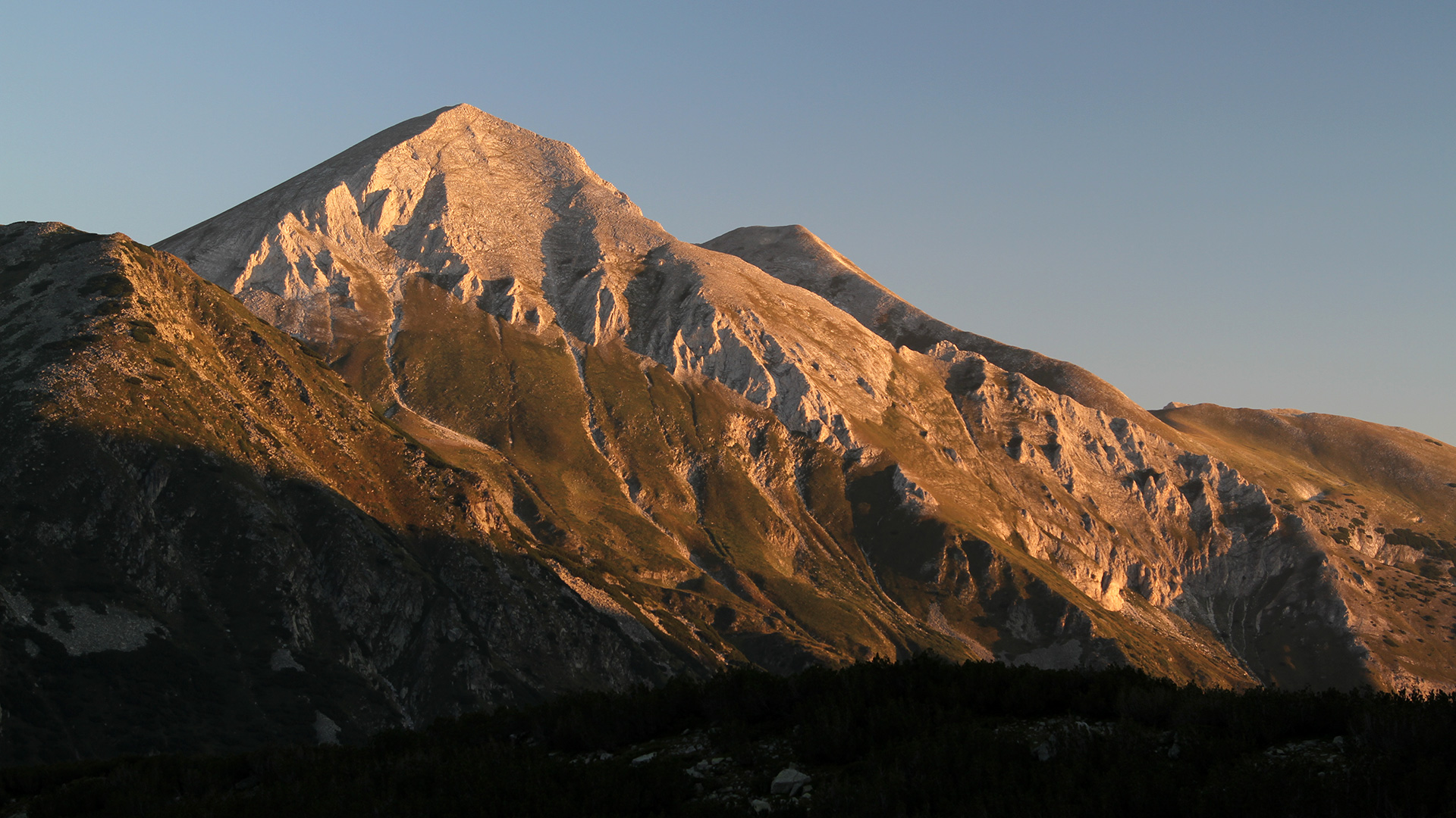 За Пирин – връх Вихрен 2 914 м